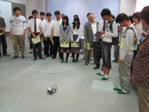 参加者によるロボット操作体験